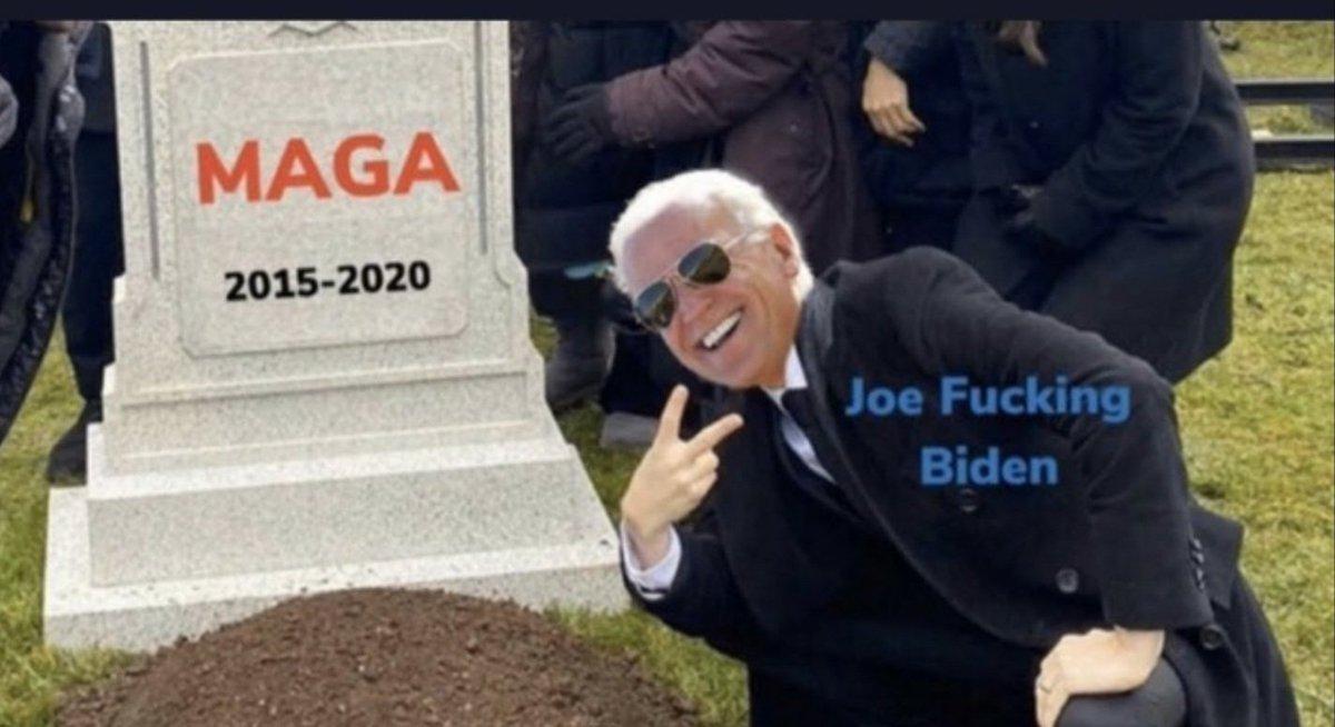 #ImpeachBidenNow 😂😂