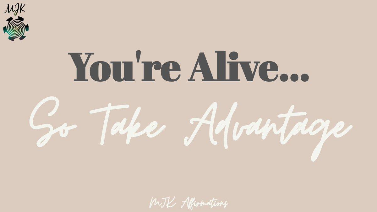 Happy Friday #livelifetothefullest #lovelife #youonlygetonelife #friday #fridaymood #fridayvibes #weekend #weekendvibes #affirmations #morningaffirmation #positiveaffirmations #positivevibes #postivethinking #motivation #morningmotivation #mindset #mindsetshift #mindsetmastery