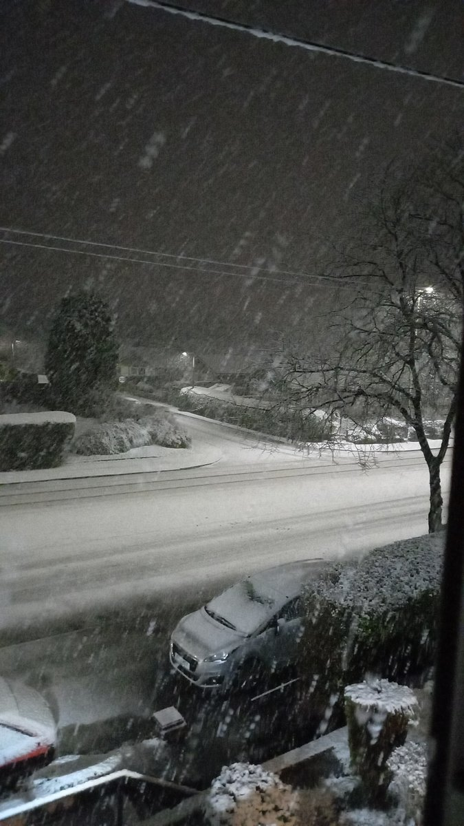 Omg the snow and winter was crazy late night wow.   #bolton #Snowing #MyWeather #mylife #snow