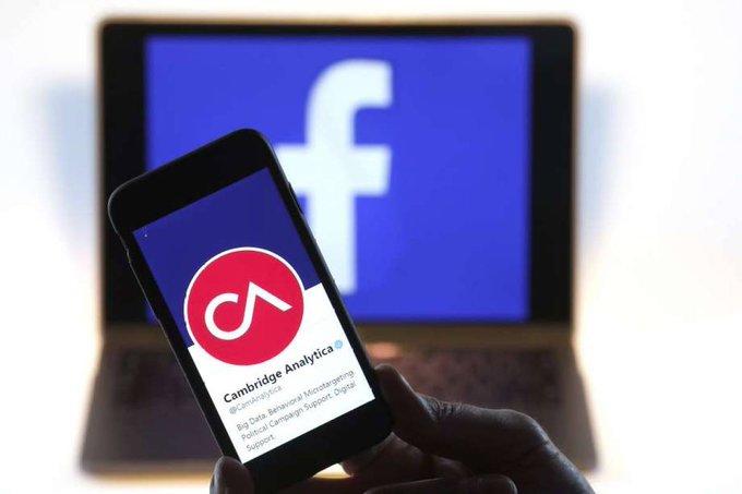 સીબીઆઈએ ફેસબુક સોશ્યલ મીડિયા પ્લેટફોર્મ પરથી ફેસબુક વપરાશકર્તાઓના ડેટાની ગેરકાયદેસર વહેંચણી કરવાના આરોપ પર યુકે સ્થિત બે કંપનીઓ સામે કેસ નોંધ્યો.  @Facebook #CBI #Facebook #AIRNewsGujarati https://t.co/5J7ByB9gA0