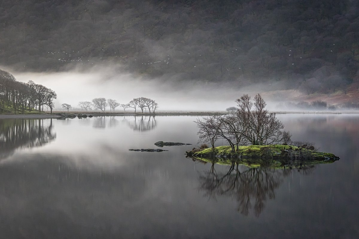 Islands in the mist https://t.co/e88ZH8SuJz