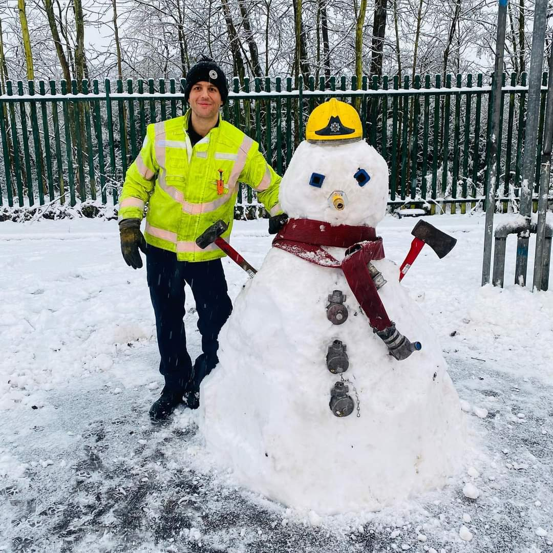 Last week we asked you all to name our snowman 🤔Well, the time has come, the judges have deliberated, & the results are in! 🥁  🎉The winner is... Mr Fire Frost - Sent in by Kim Cowie on Facebook ⛄️  😊Thank you all so much for your wonderful name suggestions! #FridayFeeling
