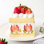 これは素敵だ!中身のイチゴの形がアクセントのチューリップショートケーキ‼