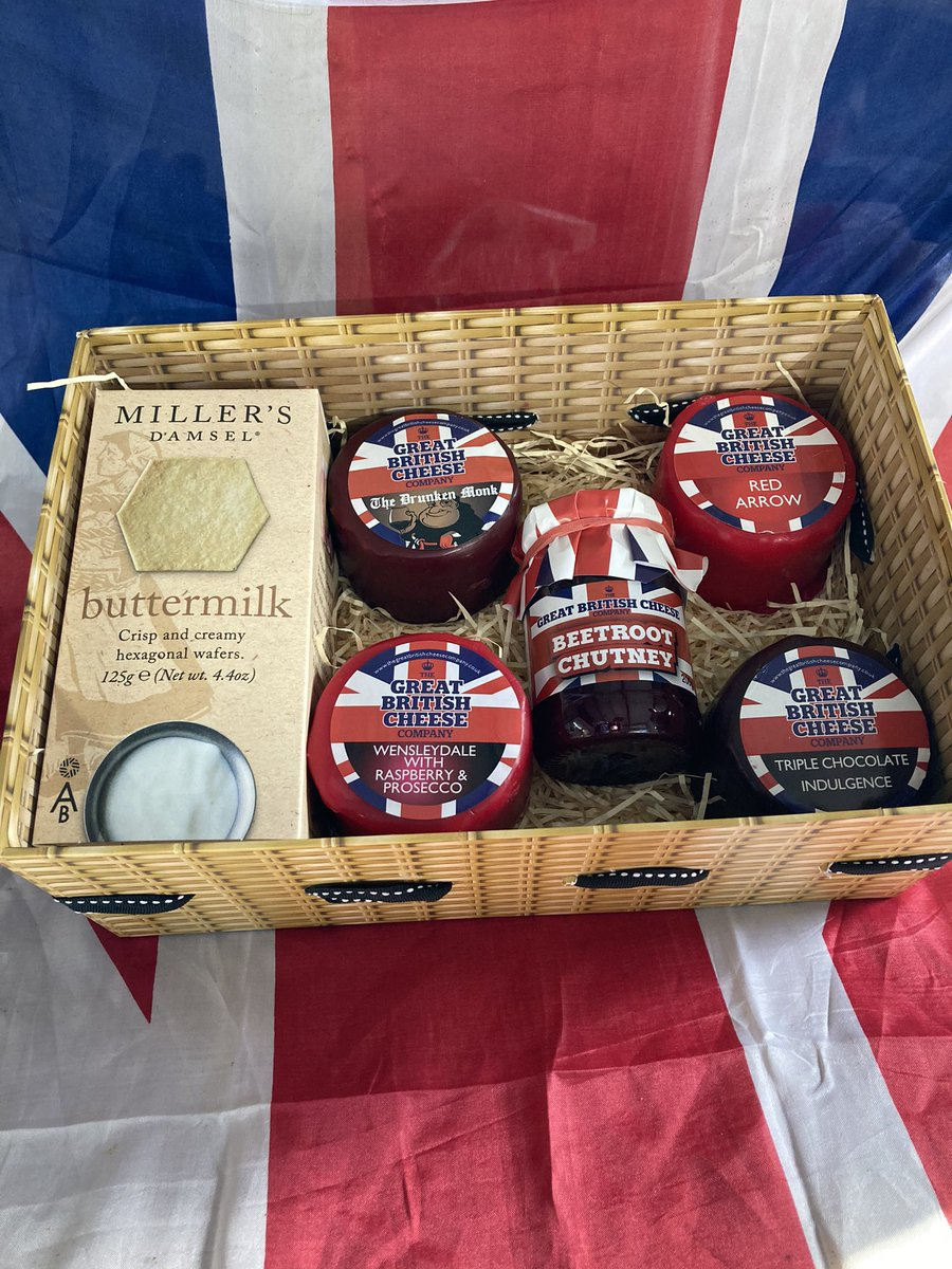 Giveaway time!!! One lucky winner will receive this cheese hamper! It's simple just give us a follow and retweet and like this and one winner will be chosen across FB Insta and Twitter on Sun 7th Feb ..... go