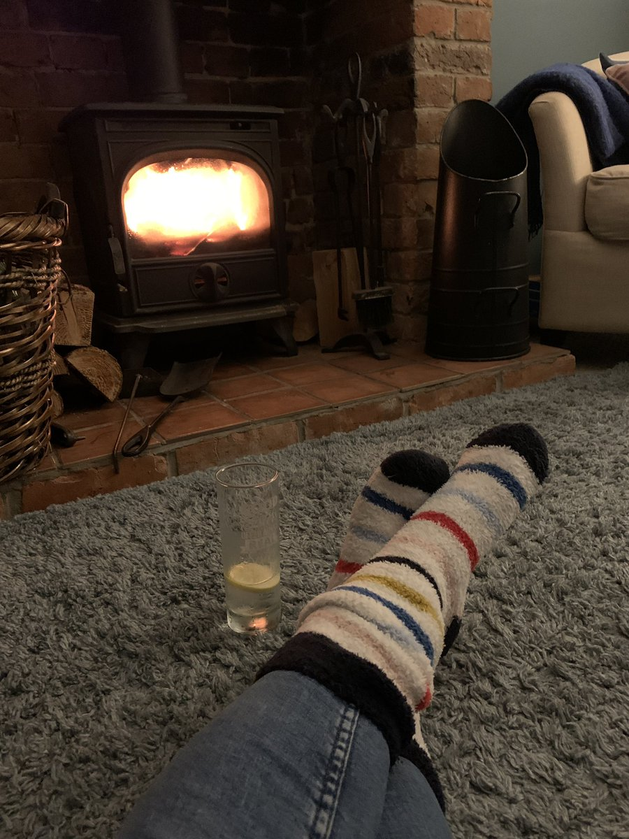 #FridayVibes #drinks and #dinner by the fire 🔥 tonight- relax, unwind. Positive vibes to #edutwitter and #TeamEarlyChildhood - solidarity and strength to you all, thank you for the company along this road #pandemiclife