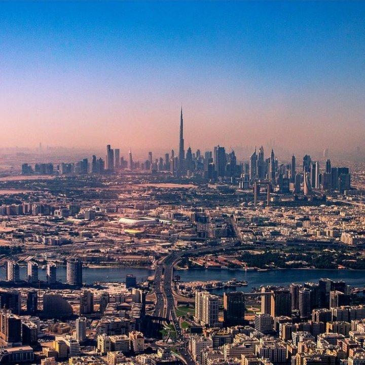 How many landmarks of Dubai can you spot in this picture?   #Sunset #Dubai #DubaiLandmarks  #SanitizedStaysAtOYO #TravelSafe #Travel #Instadaily #BurjKhalifa #OYOForyou #Explore #DubaiSky #DubaiSkyline