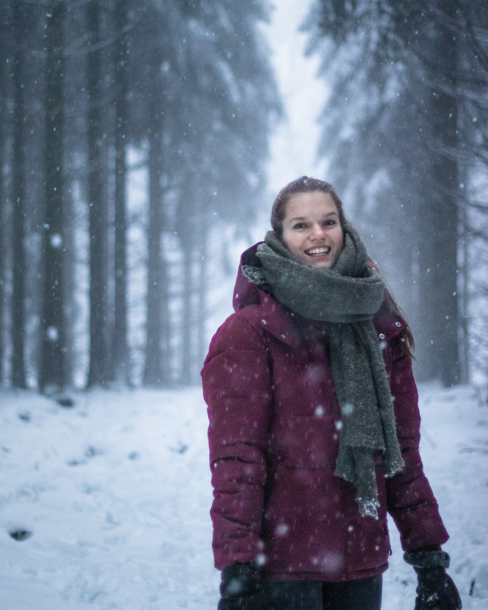👱🏼♀️❄️ #snow #winter #Germany #travel #portraitphotography #forest #photography #photooftheday