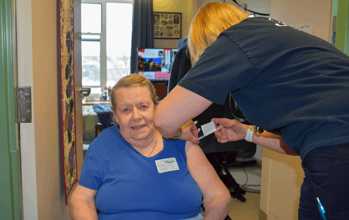 test Twitter Media - Providence Manor was buzzing with excitement this morning, as residents patiently waited their turns to get the Pfizer-BioNTech #COVID19 #vaccine. With the help of @KFLAPH staff, residents rolled up their sleeves and #GottheShot. Talk about a #FeelGoodFriday! #ygk https://t.co/bWJ5kRoLsI