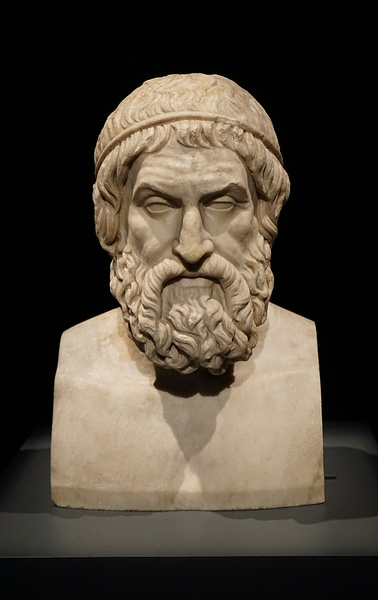 """Is there anyone who finds joy in being king? Such a deceptive good. Behind the smiling face so many evils hide! --spoken by Oedipus in Seneca's play """"Oedipus""""  #wisdom #WiseWords #goodliving #politics"""