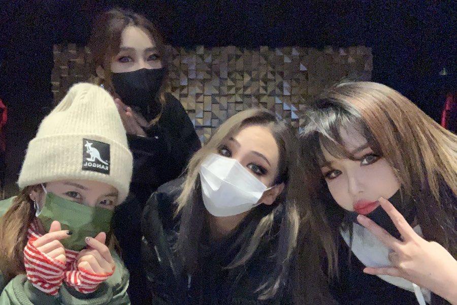 @soompi's photo on 2NE1