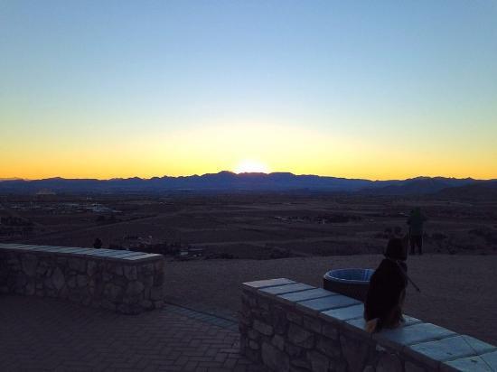 @ImDanEdwards Check out Exploration peak just off Blue Diamond Road near Mountains Edge. Can't go wrong for sunrise or sunset. https://t.co/E1ANEuB3kK