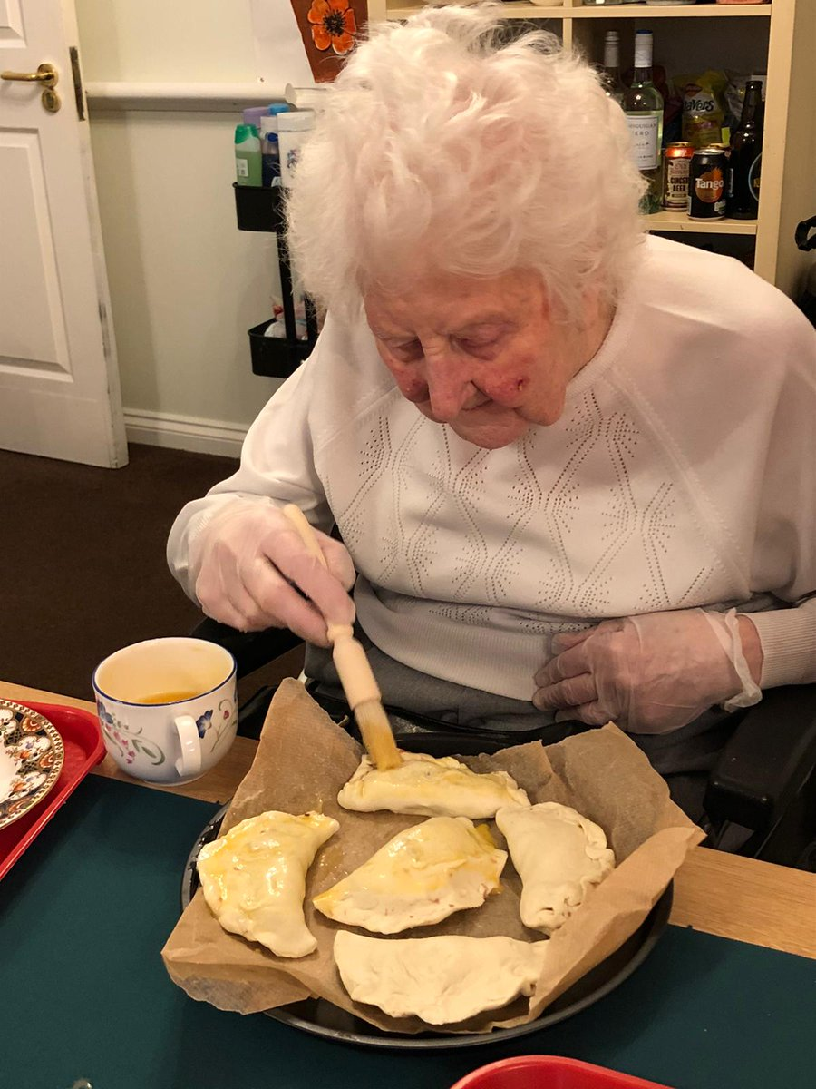 We enjoyed making these corn-beef & potato and cheese & onion pasties! Everyone enjoyed them over a nice cup of tea, and we have to say, they were delicious!   #FridayVibes #FridayFeeling
