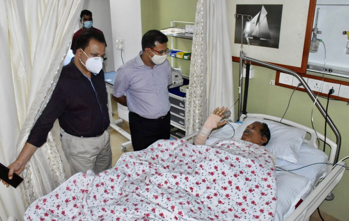 AYUSH minister Shripad Naik has been shifted out of Intensitive Care unit to VVIP ward of Goa Medical College and Hospital. GMCH Dean, Dr Shivanand Bandekar said that the minister is recovering well and his general condition is improving. Let us all pray for his speedy recovery. https://t.co/UMztKzigMo