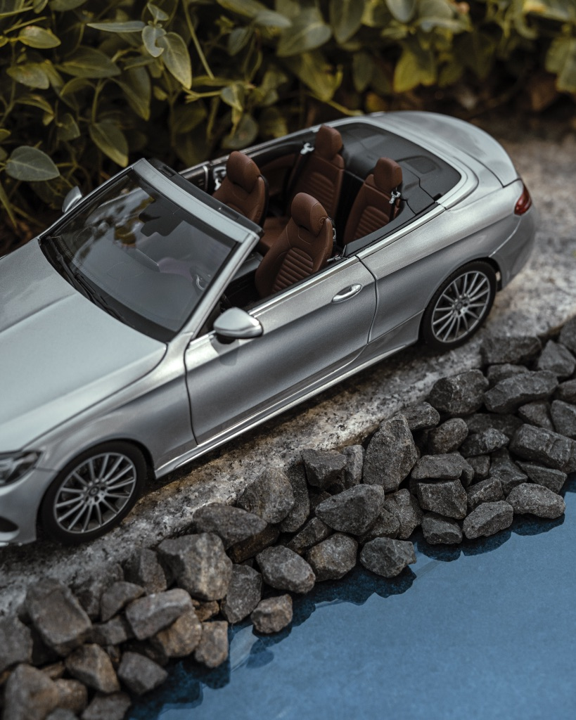Just as stylish and authentic as the original – the Mercedes-Benz C-Class Cabriolet model car. Make it yours now. 👉   #MercedesBenz #Cclass #modelcar