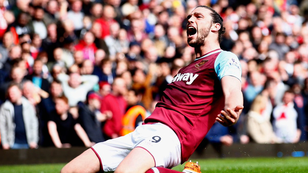 👤 Andy Carroll 👕 West Ham 📅 9 April 2016 🆚 Arsenal ⚽️ 44' ⚽️ 45+2' ⚽️ 52'
