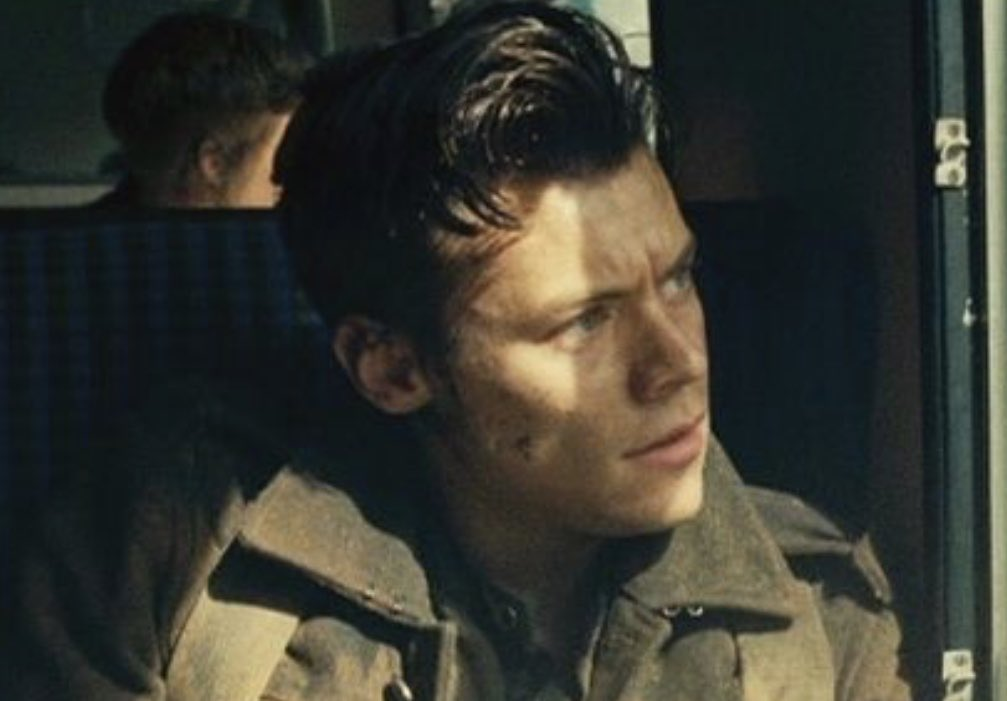 — harry styles as alex in dunkirk (2017)