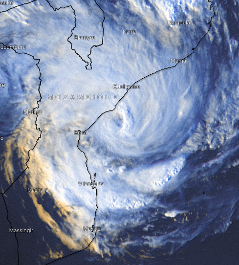 Thoughts with Mozambique 🇲🇿 right now.   #Cyclone #Eloise is heading straight for the large city of #Beira. Last minute strengthening expected before landfall in the next 12 hours.  Beira area suffered catastrophic damage from Cyclone #Idai only 2 years ago (March 2019)   THREAD https://t.co/EfesjSxTph