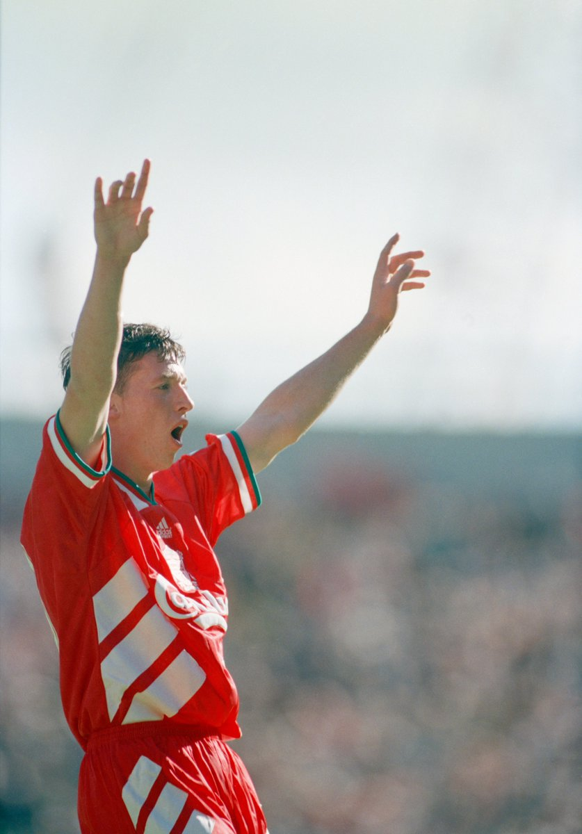 👤 Robbie Fowler 👕 Liverpool 📅 28 August 1994 🆚 Arsenal ⚽️ 26' ⚽️ 29' ⚽️ 31'