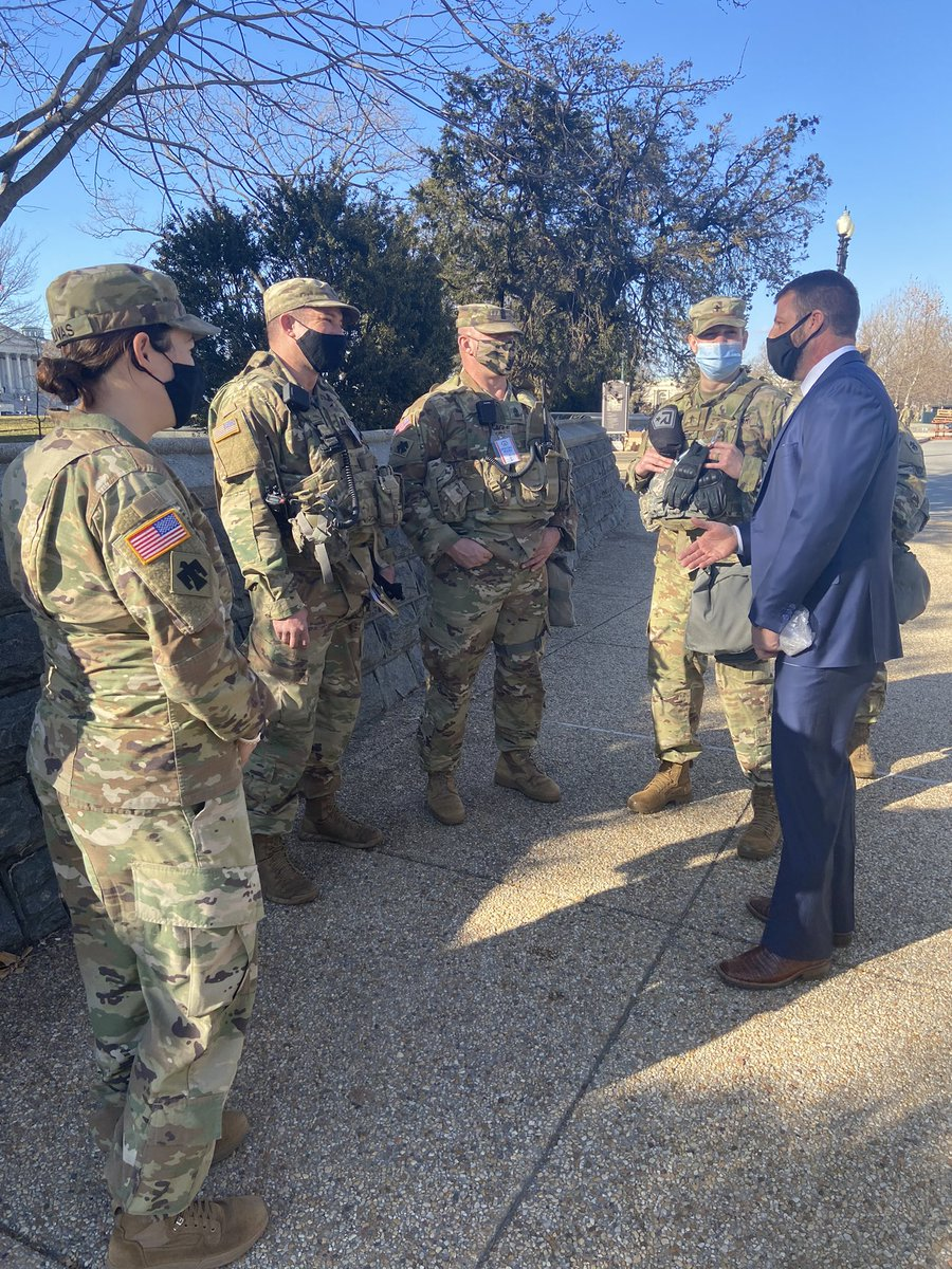 Yesterday, I visited @OKGuard members who have been protecting the U.S. Capitol to thank them for the sacrifices they made to be here. All guardsman at the Capitol complex deserve our full appreciation and should never be forced to take their breaks outside or in parking garages.