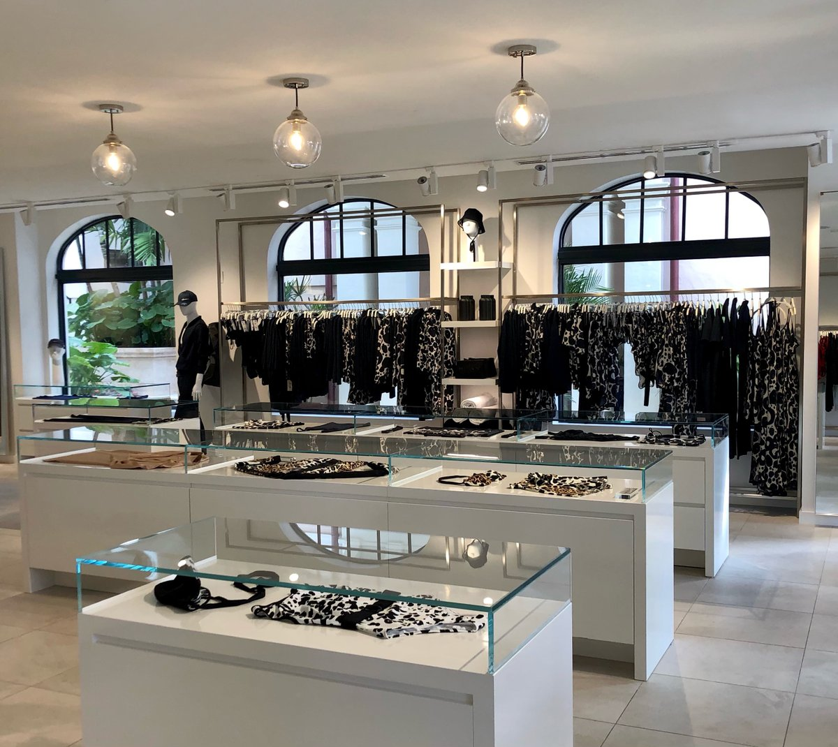 New year, new look! We're excited to share that SHAN is now open at Via Flagler by The Breakers. SHAN showcases innovative ready-to-wear, swimwear & resort wear clothing lines, for all. Combining superior quality with unique designs, all pieces are handmade by artisans in Canada. https://t.co/TgSeUU8Fnq