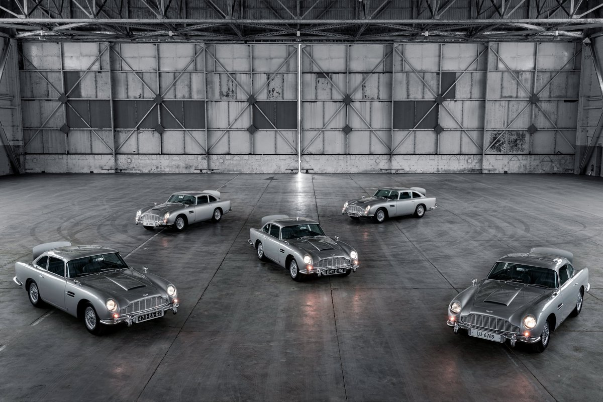 There's only one thing better than a DB5.   Having five of them.  #AstonMartin #DB5 https://t.co/ezkZrwwrXp