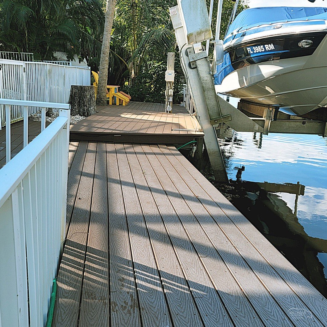 "Boat #dock and #deck made of @Trex_Company composite from a backyard remodel in Tequesta, #Florida.  ""𝙋𝙧𝙚𝙢𝙞𝙚𝙧 𝘽𝙪𝙞𝙡𝙙𝙚𝙧 𝙤𝙛 𝙩𝙝𝙚 𝙋𝙖𝙡𝙢 𝘽𝙚𝙖𝙘𝙝𝙚𝙨""  #bigbeardevelopers #SouthFlorida #floridastyle #deckdesign #outdoorliving #backyardgoals #fridaymorning #TGIF"