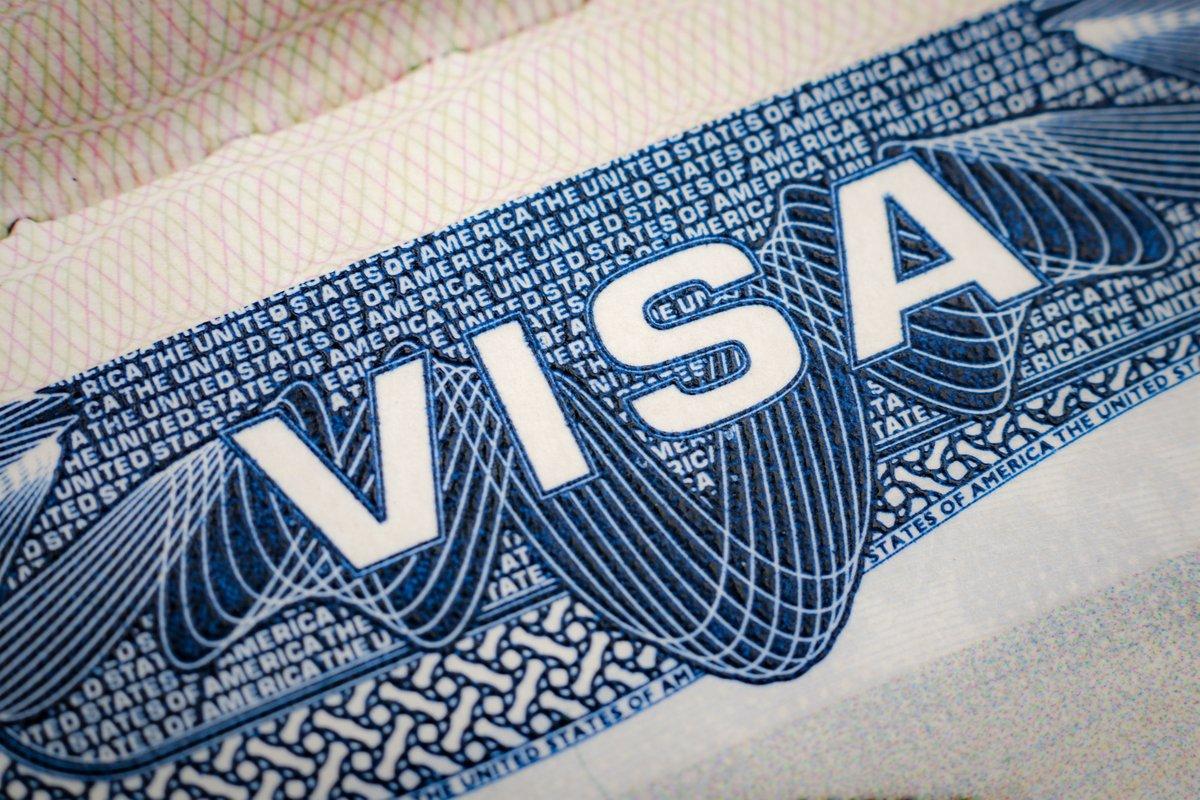"""1/2 وقّع الرئيس بايدن يوم 20 يناير أمرا رئاسيًا بعنوان """"إنهاء الحظر التمييزي على الدخول إلى الولايات المتحدة"""". وينهي هذا الإعلان قيود السفر المفروضة بموجب الأمريْن الرئاسييْن 9645 و 9983 على بعض المتقدمين من عدة دول بما في ذلك #ليبيا https://t.co/cdRoKOJVB7"""