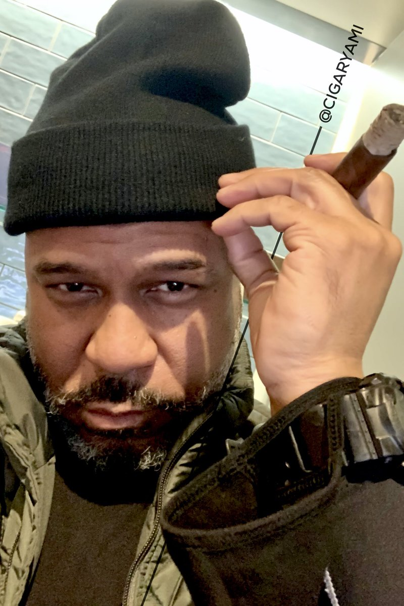 Good Morning Internets! Happy Born Day to all of my fellow Aquarians. Let's make this year phenomenal in 2021, ya dig.  #cigar #mycigar #HappyBirthday