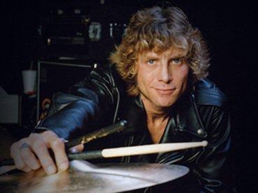 El 22 de enero de 1965, nació el baterista de @gunsnroses  @StevenAdlerSite #HappyBirthday 🍸🎈🍻🎉🎶🎊🎂🍺