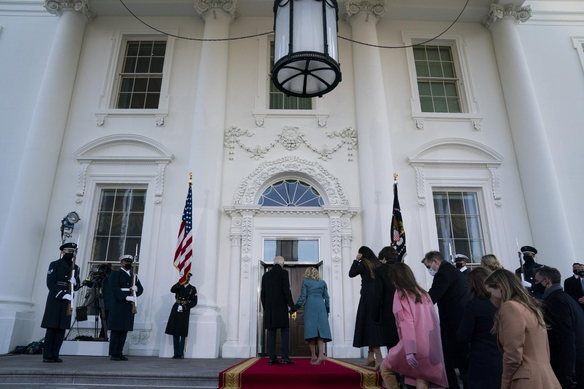The Trumps dismissed the White House ushers when they left for Florida, leaving no one to open the door for the Bidens when they approached the North Portico on Wednesday. @TomDeFrank reports (unlocked)