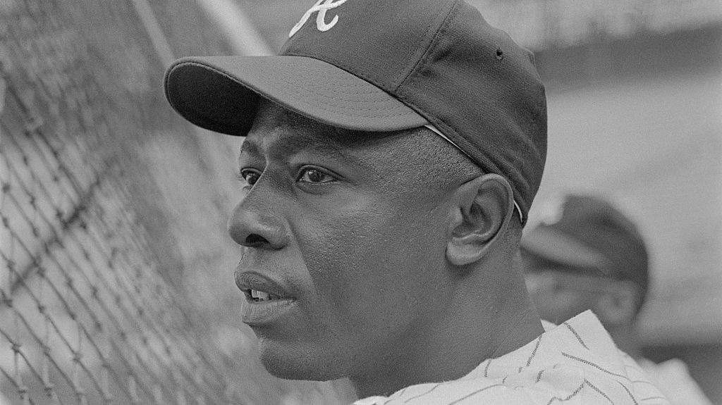 Hammerin Hank Aaron has died at the age of 86. 🙏 25 All-Star Games. World Champion. Hall of Famer. 755 home runs. 3,771 hits. Rest in peace to a legend. ➡️ yhoo.it/364ucmv