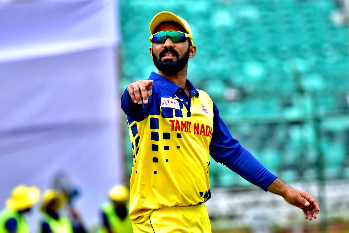 Last three knocks: 46, 40*, 47* 🔥 Average: 133 💥   Strike-rate: 170.51 ⚡  @DineshKarthik has been in red-hot form in the ongoing #SyedMushtaqAliTrophy domestic T20 tournament  📸 - IANS #KKR #KKRHaiTaiyaar #Staturday #Cricket #SMAT