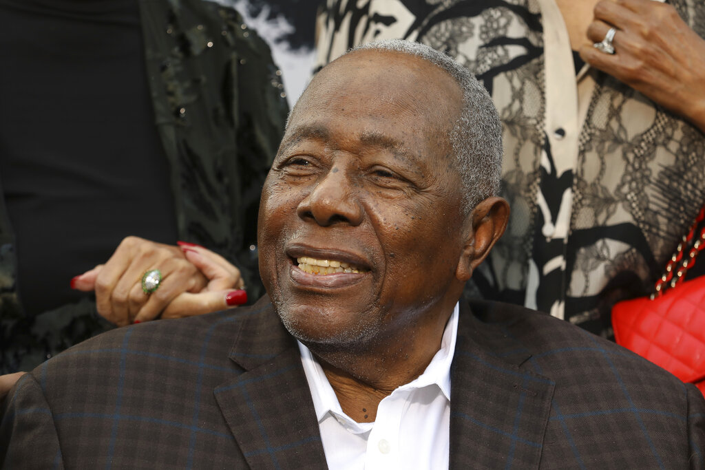 Baseball legend Hank Aaron passes away at the age of 86  #Brewers