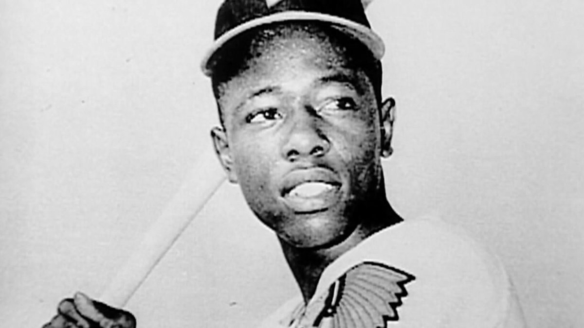 Replying to @MLBNetwork: One of the best to ever play our game.  MLB Network mourns the passing of Hank Aaron.