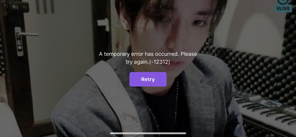 I've been watching since he started but get interrupted with error after error. Why @Vliveofficial why?! #VLIVE