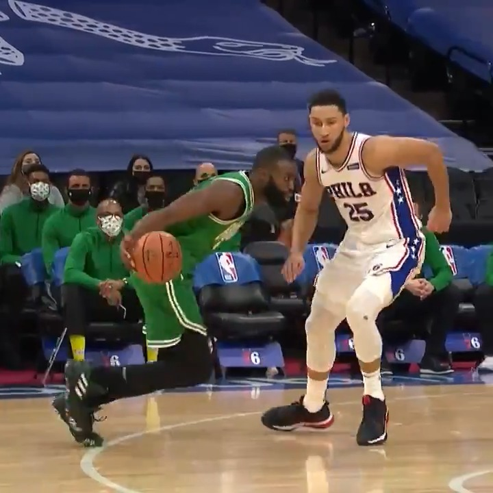 The clean footwork and FLASHY HANDLES of Jaylen Brown! 👀  CELTICS/BLAZERS - 10pm/et on TNT https://t.co/WbT8ixxmTn