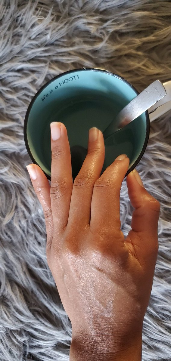 Warm 🍋 water #MorningRoutine  &  #affirmation #poem👇🏾  Today,  as yesterday, and as tomorrow, I surrender, as, and to, Love and Light  🌥 #GoodMorningTwitterWorld  Why daily #warm #lemon #water ?   #Antibacterial #liverdetox #phbalance #acne #digestion #commoncold #inflammation