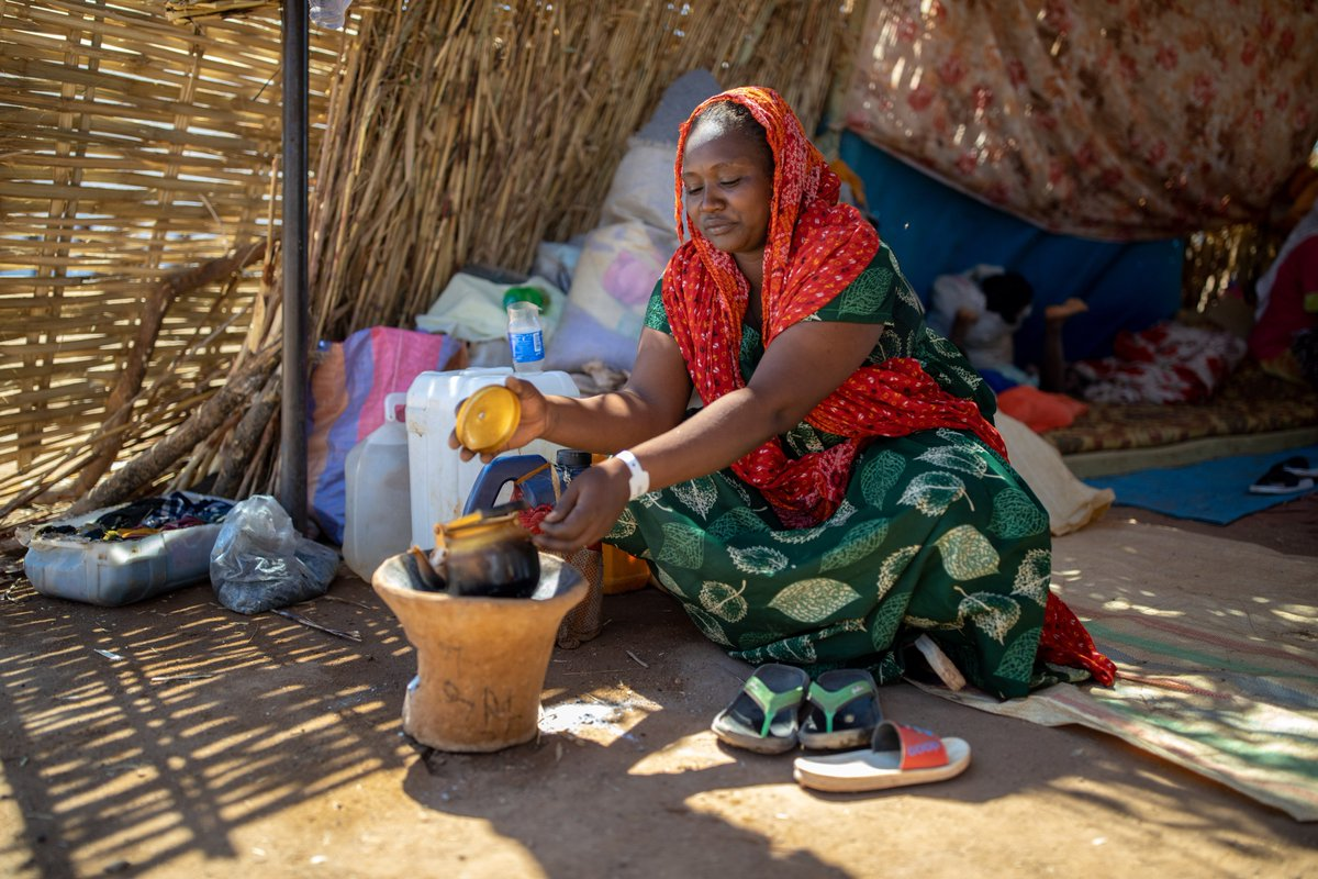 Many families are seeking refuge in #Sudan because of fighting in Ethiopia's #Tigray region.   WFP has been on the ground since day one supporting with food and logisitcs.  But more is needed to meet the needs of an estimated influx of up to 100,000 Ethiopian refugees.