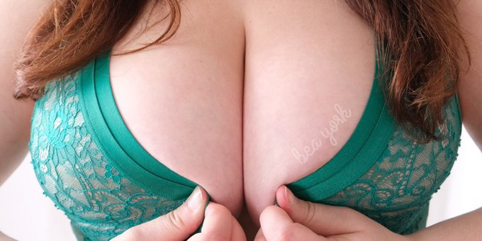 If you like my boobies, please take two second to vote for them!  https://t.co/Or0hjPi7YP https://t.