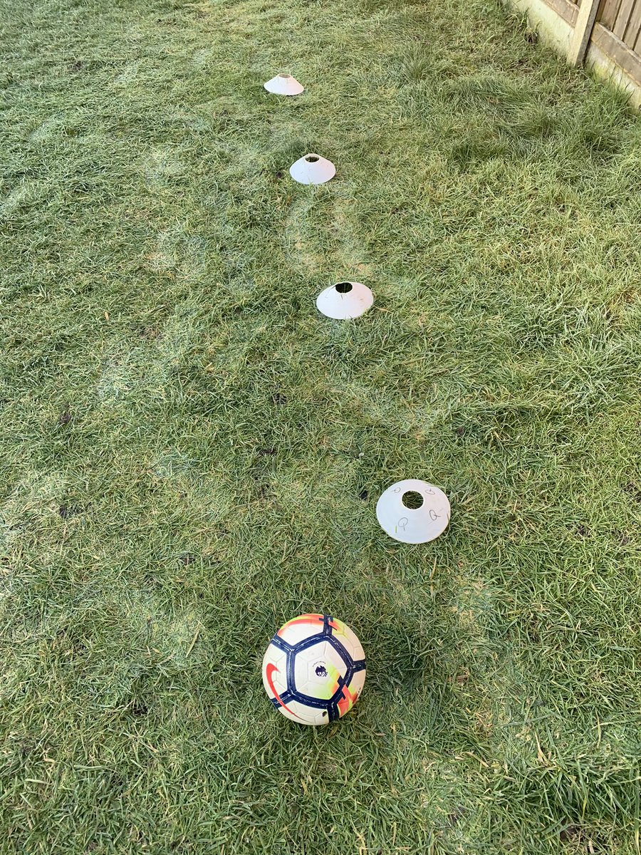Can't wait for another zoom session tomorrow morning. Messages have been sent out to our players ready for tomorrow. If you would like to join please do let me know 👍⚽️ #ajsportscoaching #football #footballer #footballskills #1on1 #1on1training #grass #grassroots