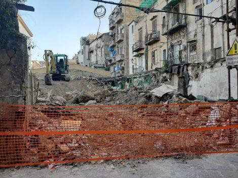 Cantieri abusivi nel centro storico a Palermo, disposto il sequestro - https://t.co/H3xUeUsBcm #blogsicilianotizie