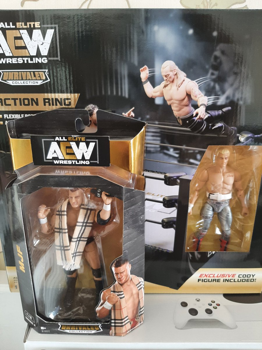 🚨🚨🚨 2 more items from the #AEW unrivaled range down, 2 to go. Big thanks to @Ryan_Close and @seandavies5 for hooking a brother up.