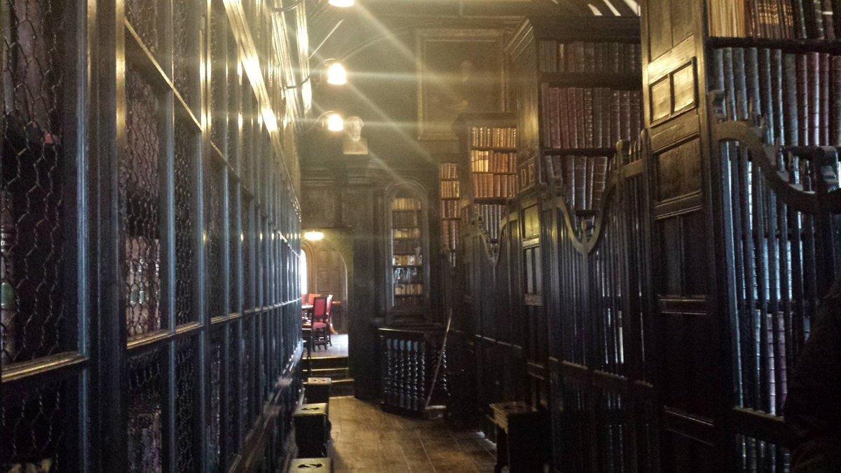 #LibraryShelfieDay  Bookshelves @chethamslibrary Manchester.  #History #Books #library #FridayFeeling #Readers #Icouldlivehere