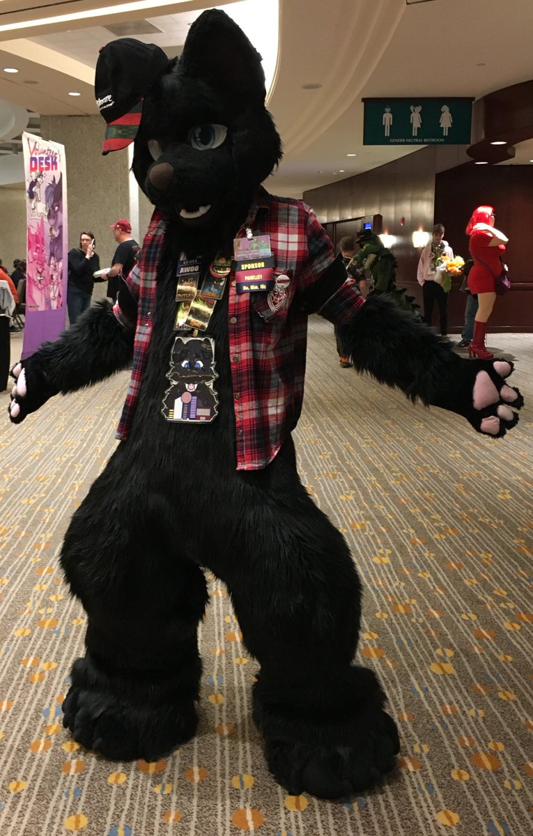 I can't believe it's been almost a whole year since I got my full suit at TFF. #FursuitFriday