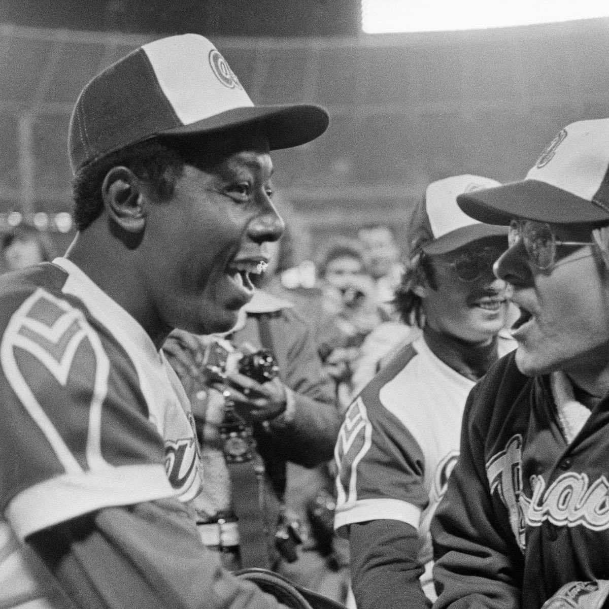 1/ Hank Aaron changed my life. The greatest moment I ever got to be a part of was catching 715. That moment bonded us forever as friends and teammates. My heart hurts today to learn of his passing. We watched Hank shrug off the weight of the world and just keep swinging.