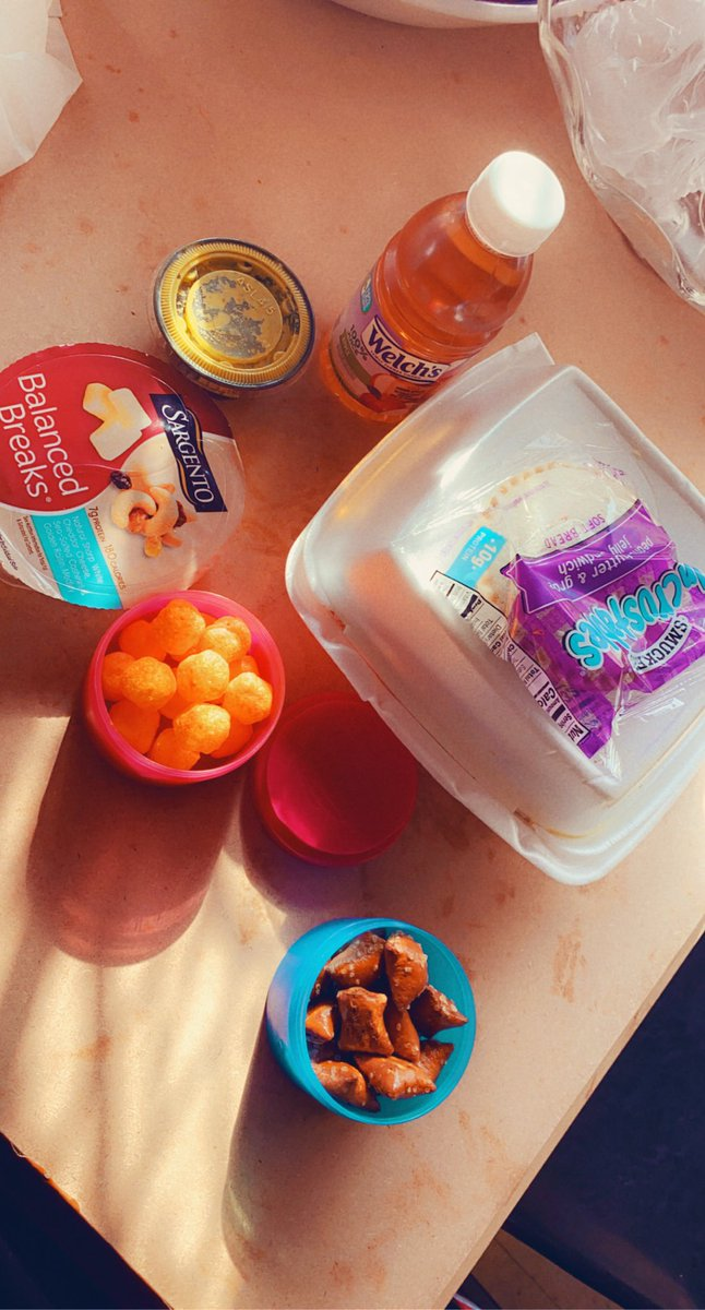 I love my husband! He packs me lunch ❤️❤️❤️❤️ #FridayVibes