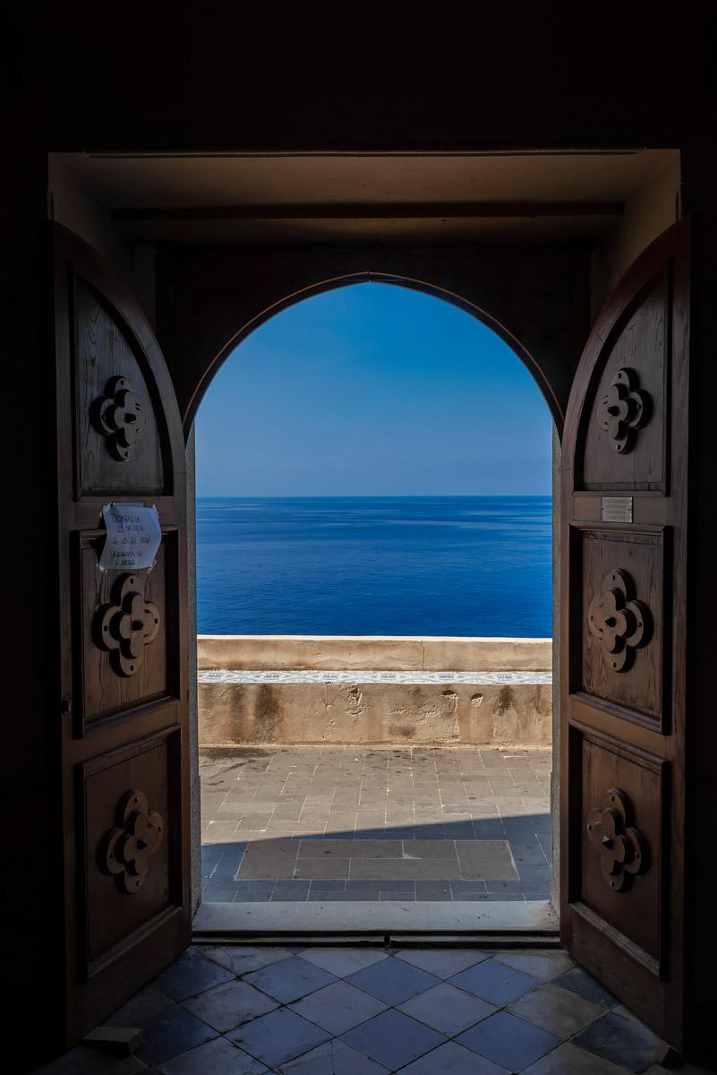 """Heaven's door in """"Stromboli"""" #Stromboli #island #volcano #vulcano #nature #Strombolicchio #Ginostra #hiking #Sicily #Sicilia #Puntalena #Ficogrande #travel #trip #travelblogger #blogger #blogging #Italy #Italia #landscape #photography"""