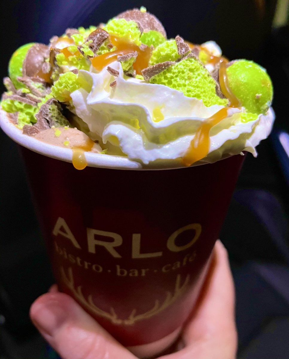 Keeping it cool 😎 with @ArloJesmond new mint 🍫 #hotchocolate, after a #walk along the #quayside with @chancetotravel!   #foodie #friyay #jesmond #FridayFeeling #FridayThoughts #FridayVibes #newcastle #supportlocal #sostraveluk #friday #weekendvibes #yumyum #delicious