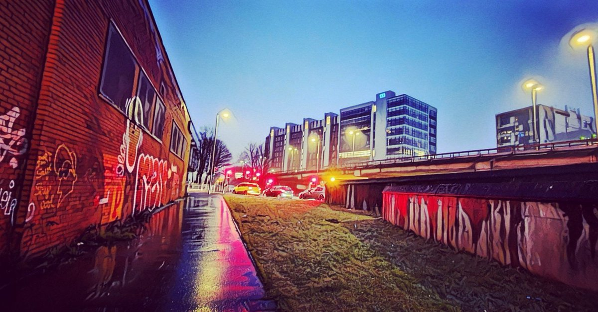 #alley #riverclyde #graffitiart #theclyde #graffiti #clyde #wall #streetlights #sky #art #outdoors #landscape #night #outside #horizon #Glasgow #motorway #night #streetphotography #urbanphotography #streetphotographer #galaxys10 #photography  #phonephotography #colour  #painting