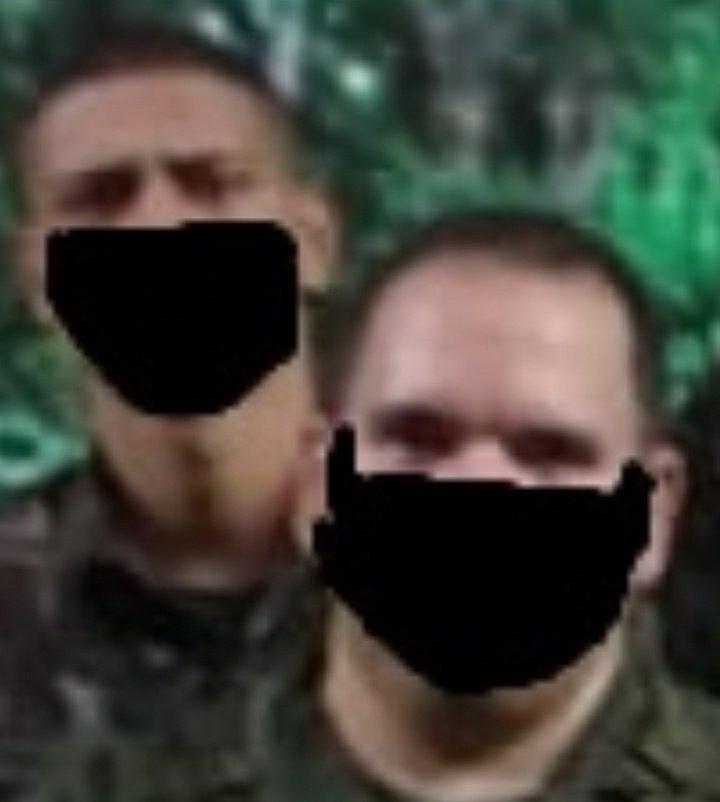 O exército brasileiro fez uma montagem tosca em uma foto para fingir que as pessoas usavam máscara.   Photoshop Padrão Pazuello